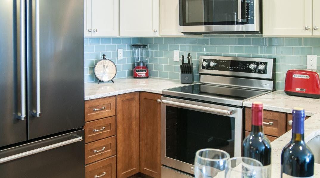 RiverWalk Suite Kitchen