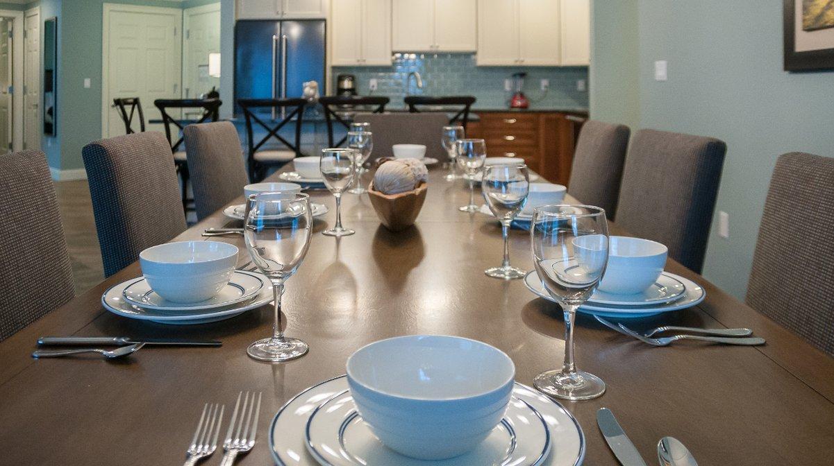 RiverWalk Resort Penthouse Dining Area
