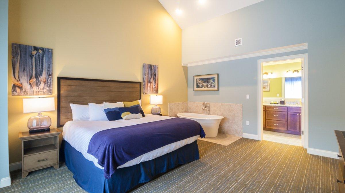 RiverWalk Resort Penthouse Master Suite
